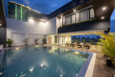3 Bedroom Apartment for Rent in BKK3 with gym-pool