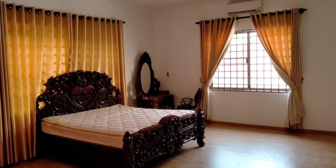 Five Bedrooms Villa in the Residential Area for rent in Toul Kork (10)
