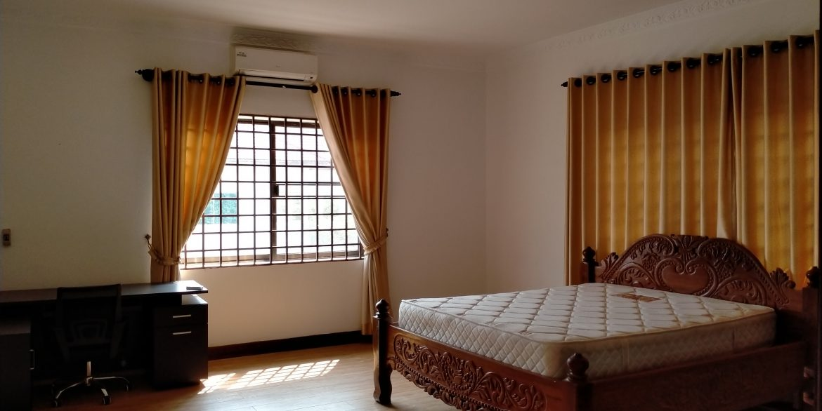 Five Bedrooms Villa in the Residential Area for rent in Toul Kork (11)