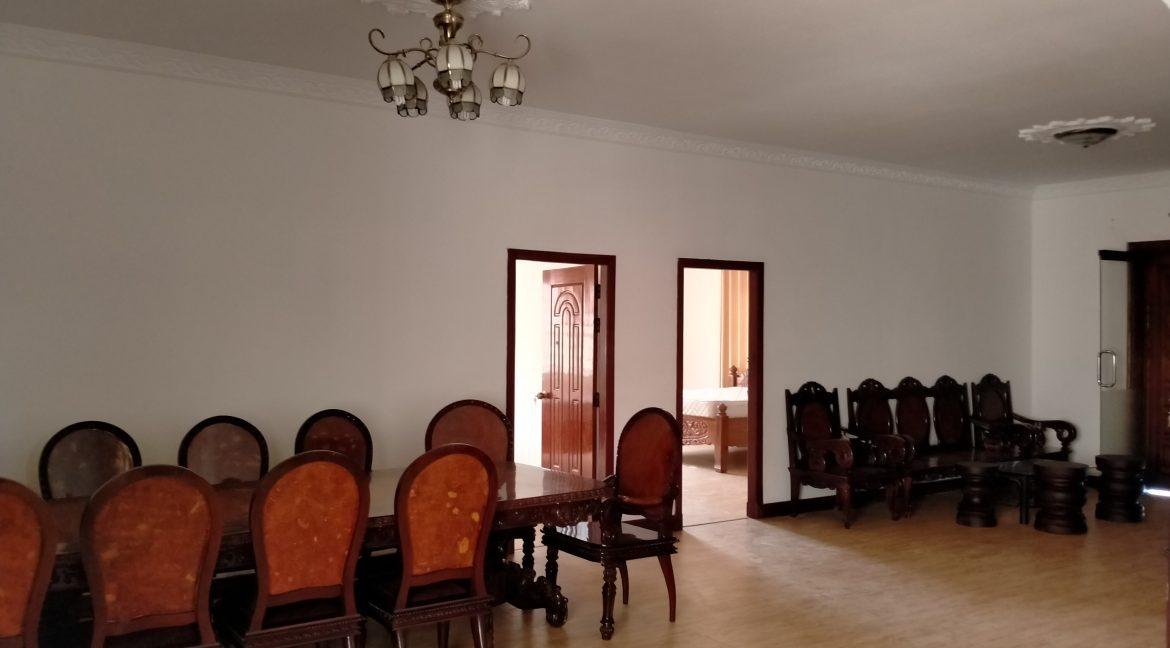 Five Bedrooms Villa in the Residential Area for rent in Toul Kork (9)