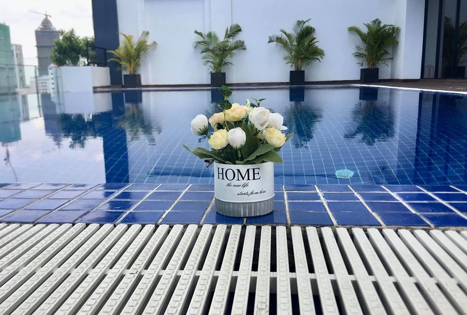 Gym & Swimming pool 3 bedrooms Apartment for Rent in BKK2 (1)