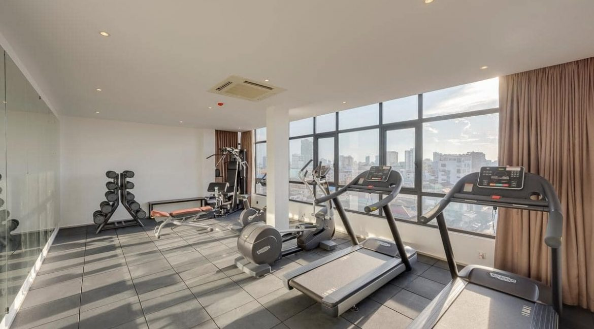 Gym & Swimming pool 3 bedrooms Apartment for Rent in BKK2 (2)