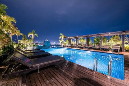Pool and Gym One Bedroom Apartment for Rent in Tonle Bassac (1)