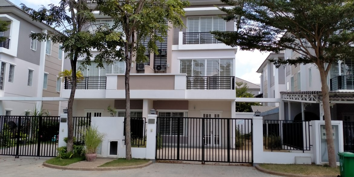 Twin Villa for Sale in Borey Peng Huoth along National Road 1 (1)