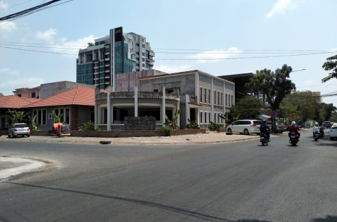 Corner Commercial Building for Rent in Daun Penh