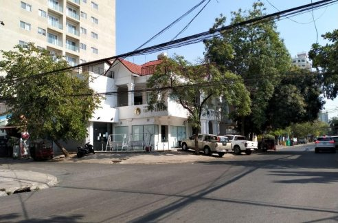 Corner Commercial Villa for Rent in BKK1