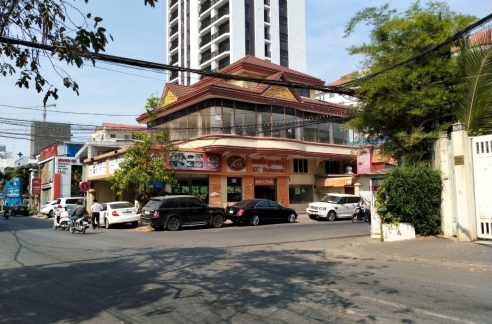 Corner Commercial Villa for Rent in Boeung Trobaek