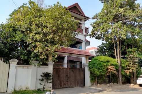 Five Bedrooms Villa in the Residential Area for Sale in Toul Kork