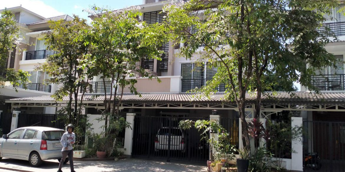 Twin Villa for Sale in Borey Peng Huoth along National Road 1 (2)