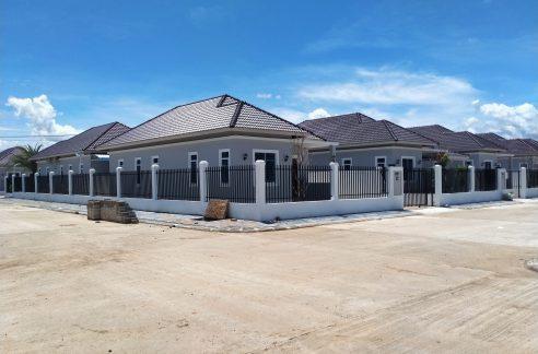Brand New 3 Bedrooms Villa for Sale in Battambang (1)