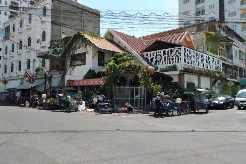 Commercial Corner Villa for Rent in 7 Makara Area