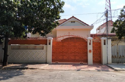 Four Bedrooms Villa for Rent in Toul Kork Area (1)