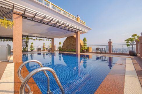 Gym and Pool Two Bedrooms Apartment for Rent in Toul Tom Pung I (1)