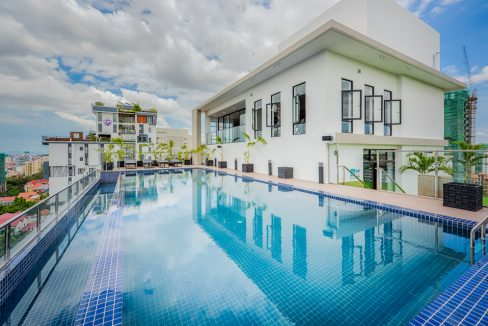 Luxury Gym and Pool One Bedroom Apartment for Rent in BKK (1)