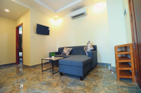 Nice Two Bedrooms Apartment for Rent in Boeng Trabaek (1)