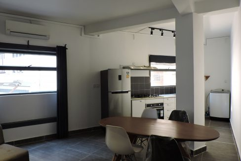 One Bedrooms Apartment for Rent in Daun Penh near Royal Palace (1)