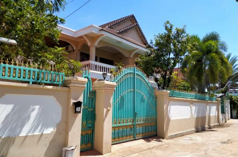 Swimming Pool Villa for Rent in Tonle Bassac (1)