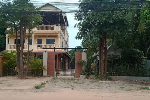 House for Sale along Thor Meas Road Krong Siem Reap