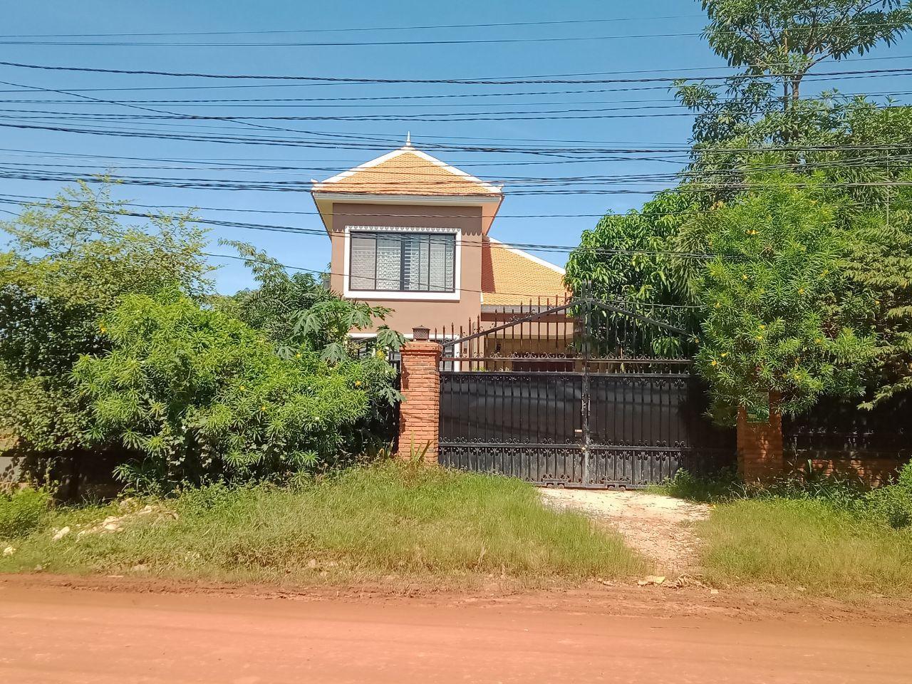 Nice Villa for Rent Near Angkor Golf Resort Siem Reap