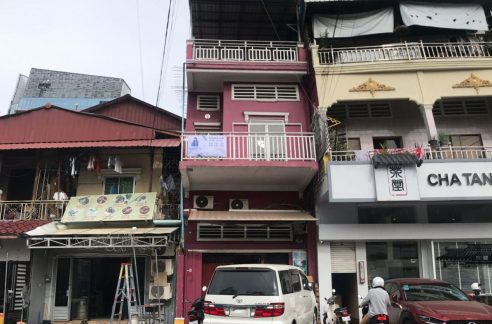 Flat House for Sale in Daun Penh (1)