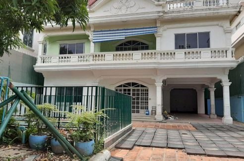 Good Location Villa in BKK1 for Rent is available now (1)