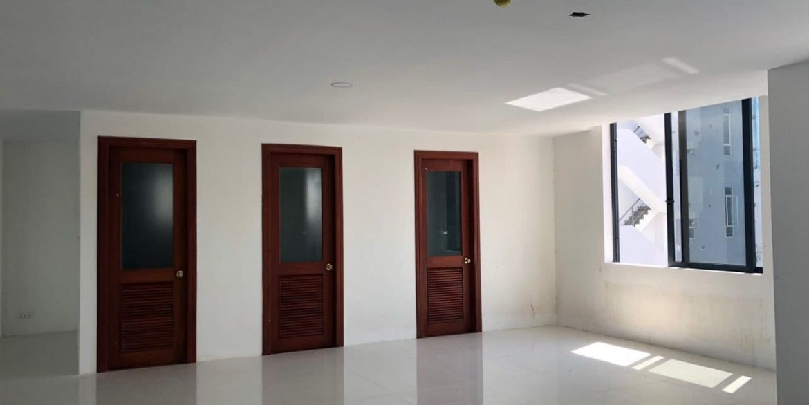 Office Space for Rent in Chamkarmon (2)